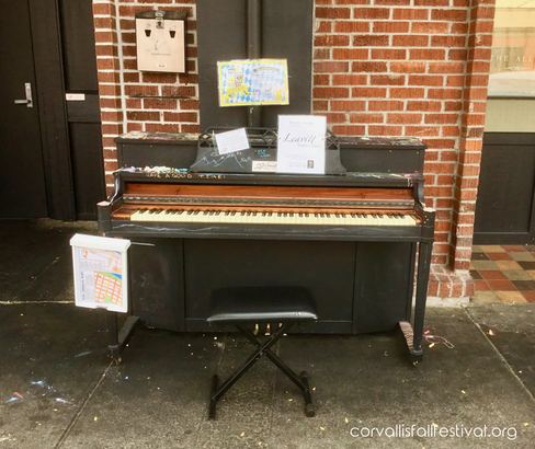 Piano outside Block 12 Brewing Co.